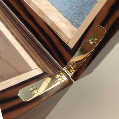 smartHinge, box hinge, siderail hinge, jewellery box hinge